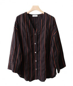 <br> Stylish Dangara v shirt <br> <b><font color=#253952>The blouse fourth place product</font></b>