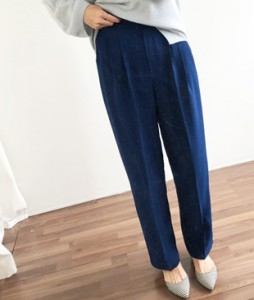 <br> Pintuck Chalang High Pants <br> <b><font color=#253952>The pants first place product</font></b>
