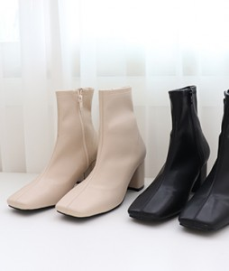 <br> Sun Pretty Middle Leather Boots <br><br>