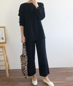 <br> Lip Neck Knit Pants Set <br><br>