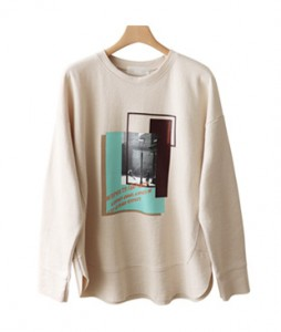 <br> Square printing cutting tee <br> <b><font color=#253952>Fourth place product</font></b>