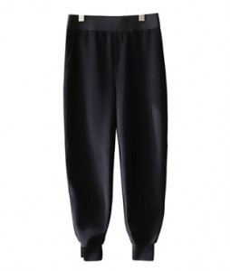<br> Slit Jogger Slacks Span Pants <br> <b><font color=#253952>The pants fourth place product</font></b>