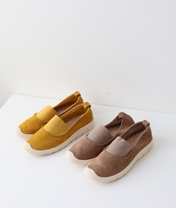 <br> Outer Cowhide Banding Sneakers <br><br>
