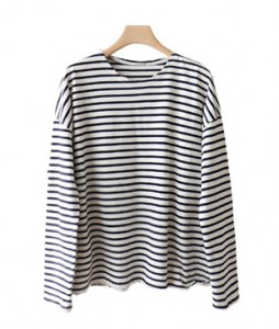 <br> Damage Stripe Tee <br> [Return can not be exchanged]