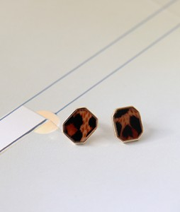 <br> Brown Leopard earring <br><br>