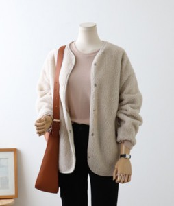 <br> Fogney Bookle Cardigan <br><br>