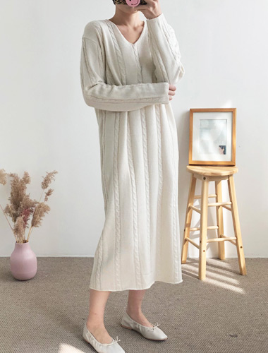 <br> Twiddle V-neck Long Dress <br> [Return can not be exchanged]