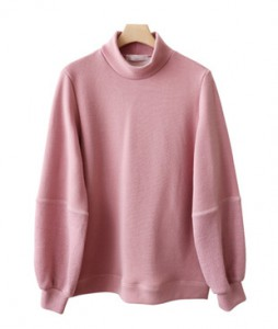 <br> color combination Volume Sleeve Dot Tee <br><br>