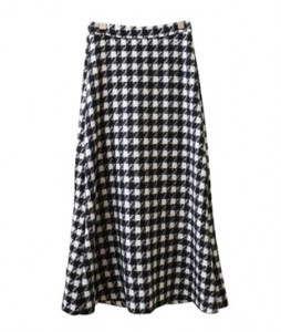 <br> Hound Check Flare Skirt <br><br>