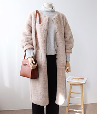 <br> Join Fur Mustang Coat <br> <b><font color=#253952>Outer second place product</font></b>