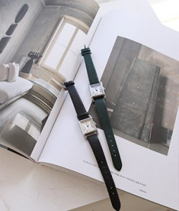 u&i Wrist Clock <br>
