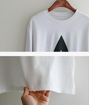 A printing T-shirt <br>