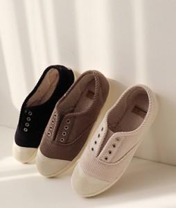 corduroy shoes <br>