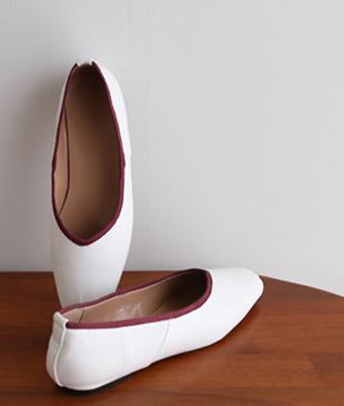 Bebe Flat shoes <br>