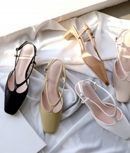 Ripple cross sandal <br> <font color=#253952>[37000->22,000 won fitting 40% sale!]</font>