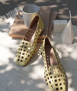 <FONT color=#d8a4a4>[50% Accompanying Sale!]</font> Lerik door shoes <br>