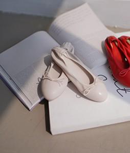 Mina Round Flat shoes <br>